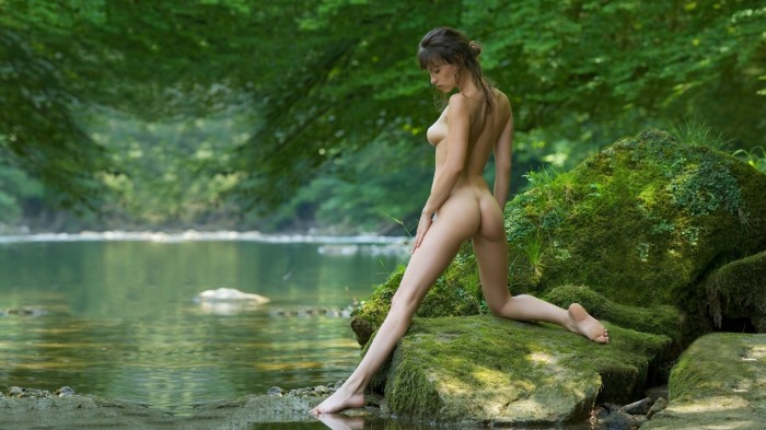 Natural nude photography woman