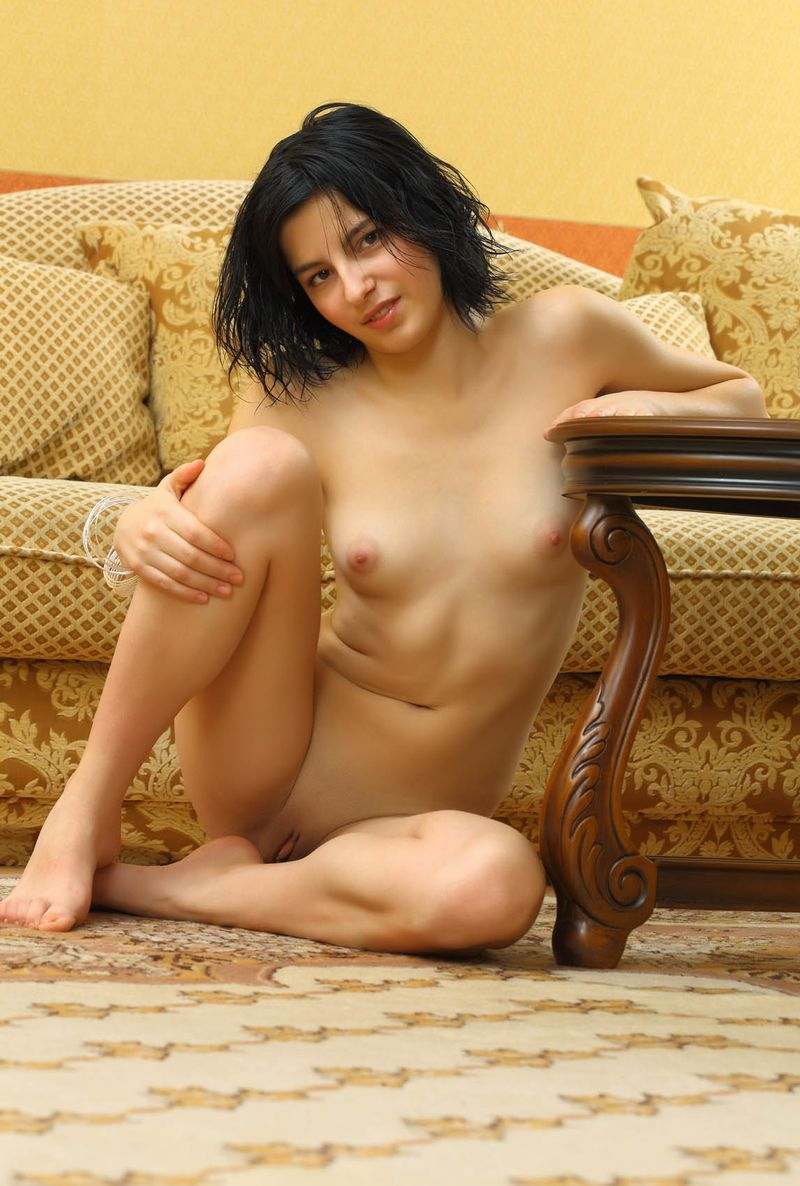 gold room nude (17).jpg