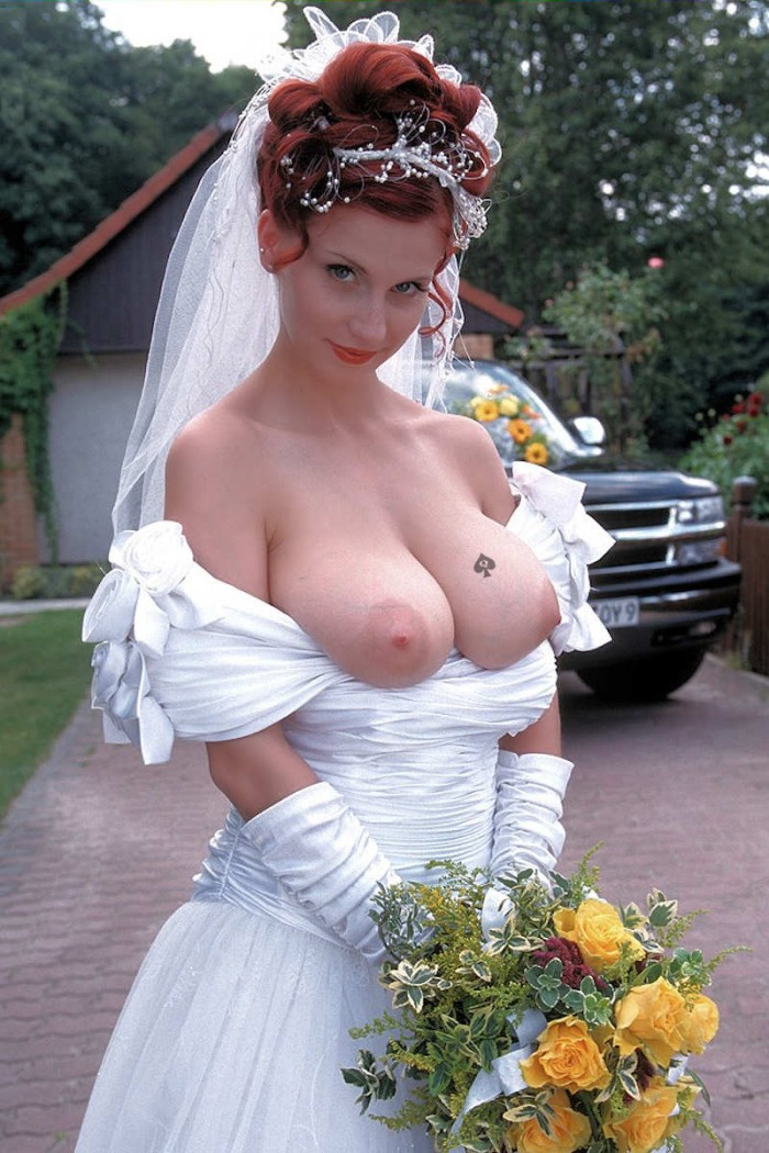 The Nude wedding dress nipple slip can not