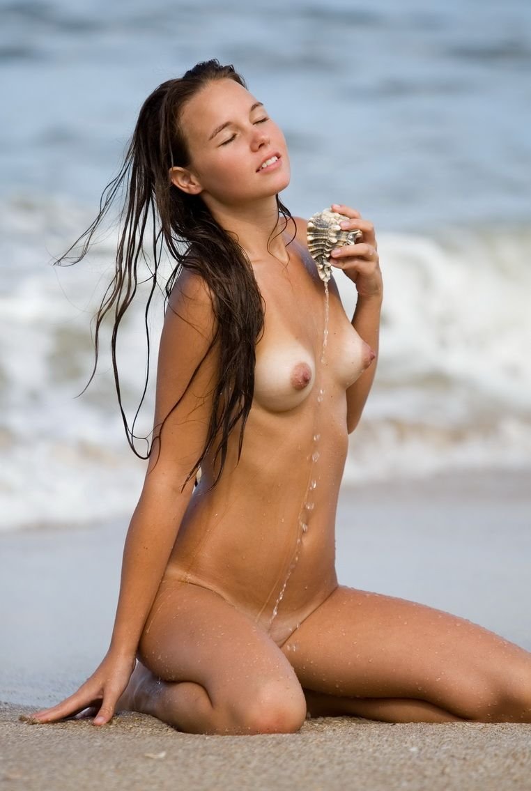 Sweet nudes on beach