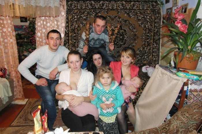 Breast Feeding Family Picture.jpg