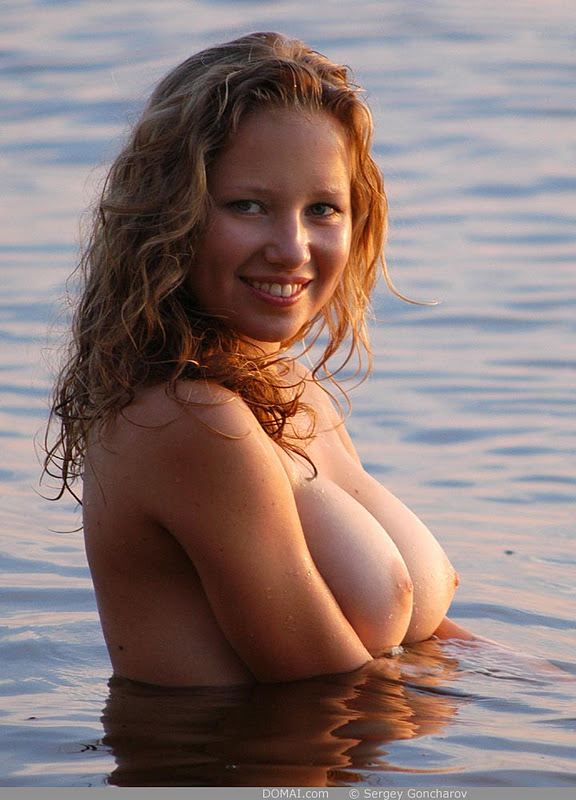 busty in the water.jpg