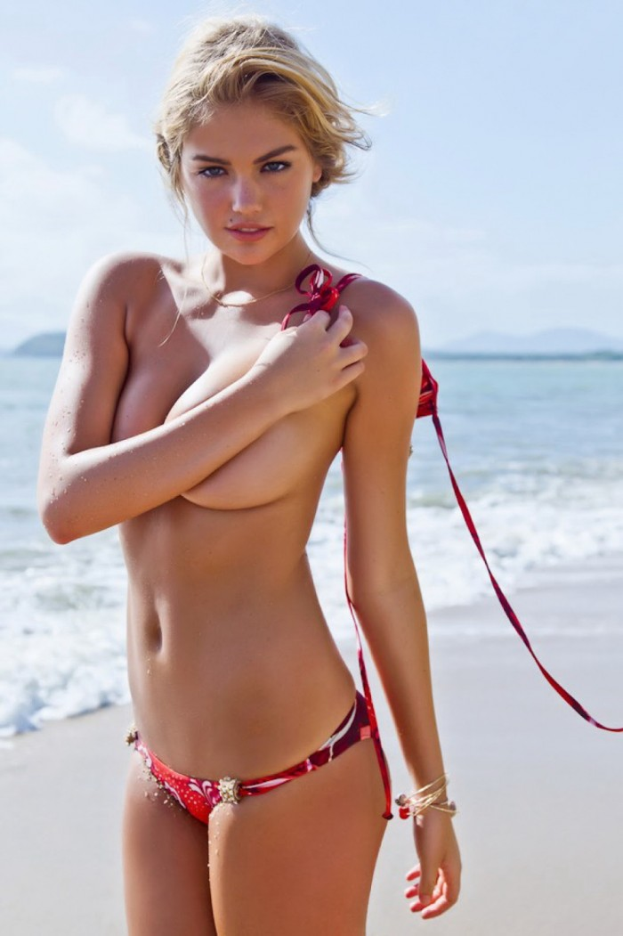 kate upton lost her top.jpg