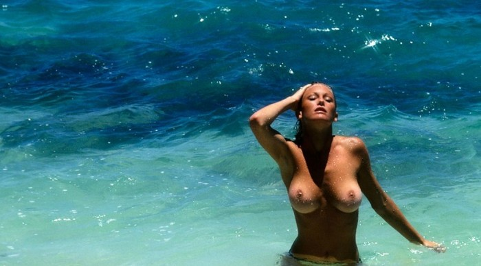 topless in a beautiful sea.JPG