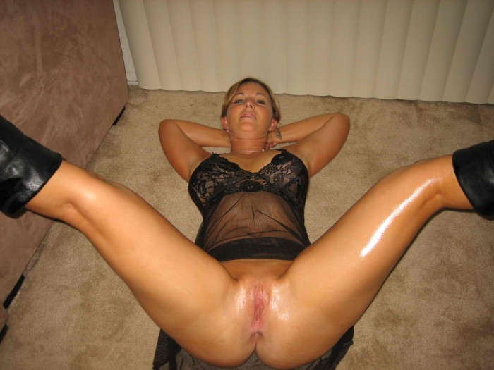 wet milf on the floor.jpg