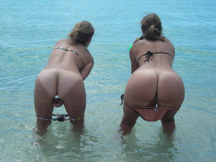 double butts on the ocean.jpg