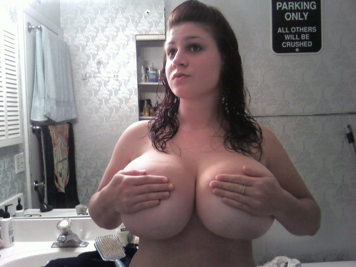 Hand Bra for massive tits.jpg