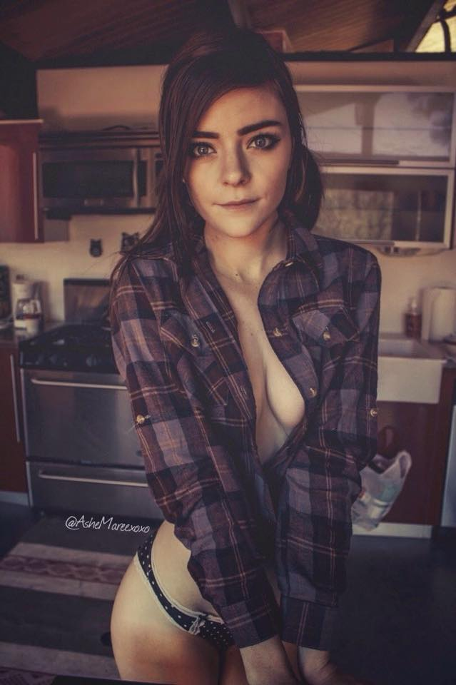 kitchen brunette.jpeg