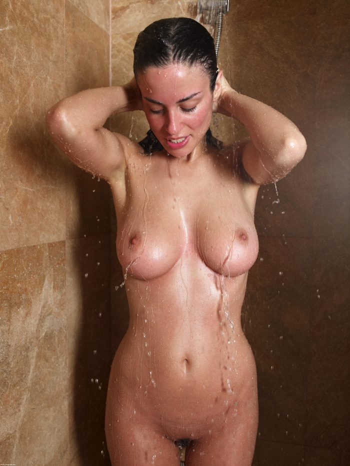 perfect tits in the shower.jpg