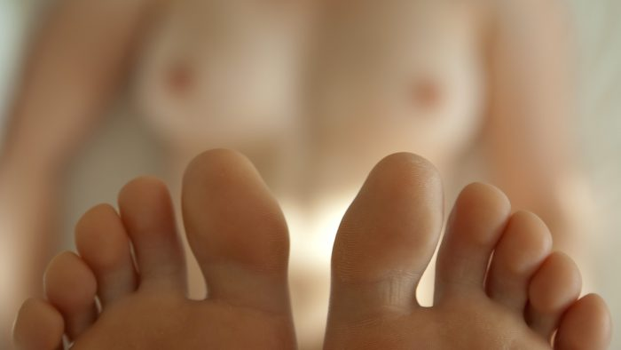 sexy toes.jpg