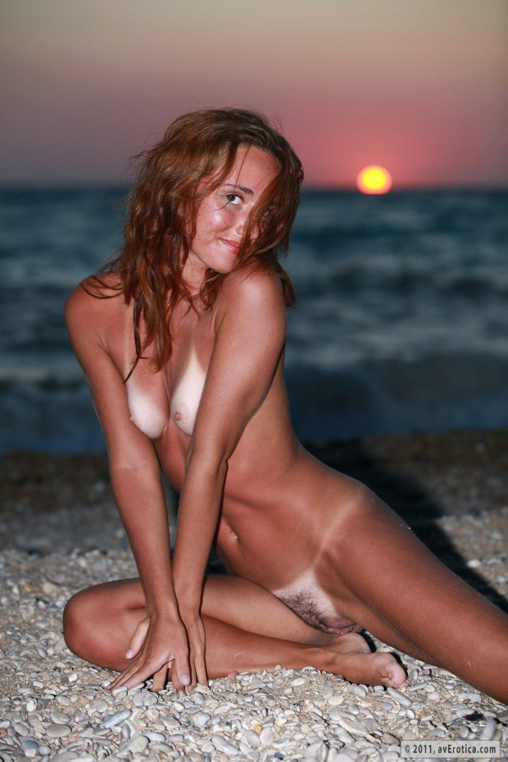 nude girl at sunset.jpg