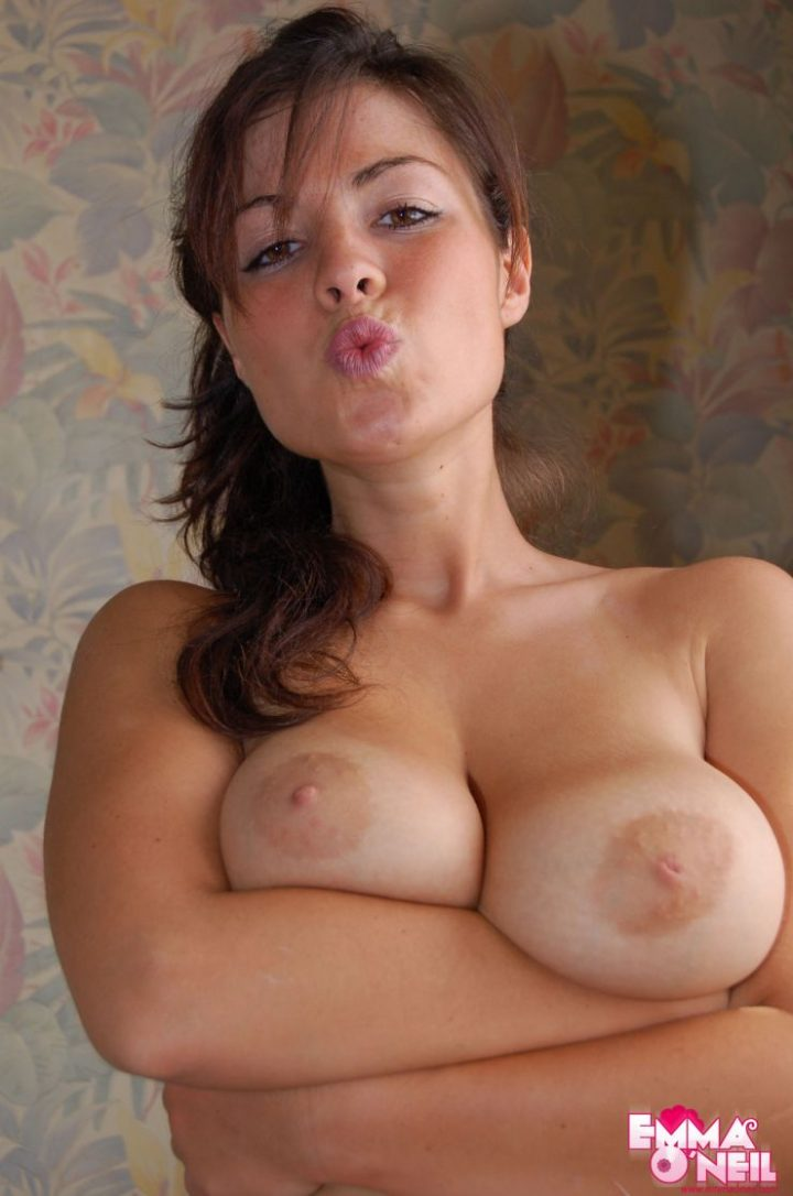 Emma O'Neil holding her boobs.jpg