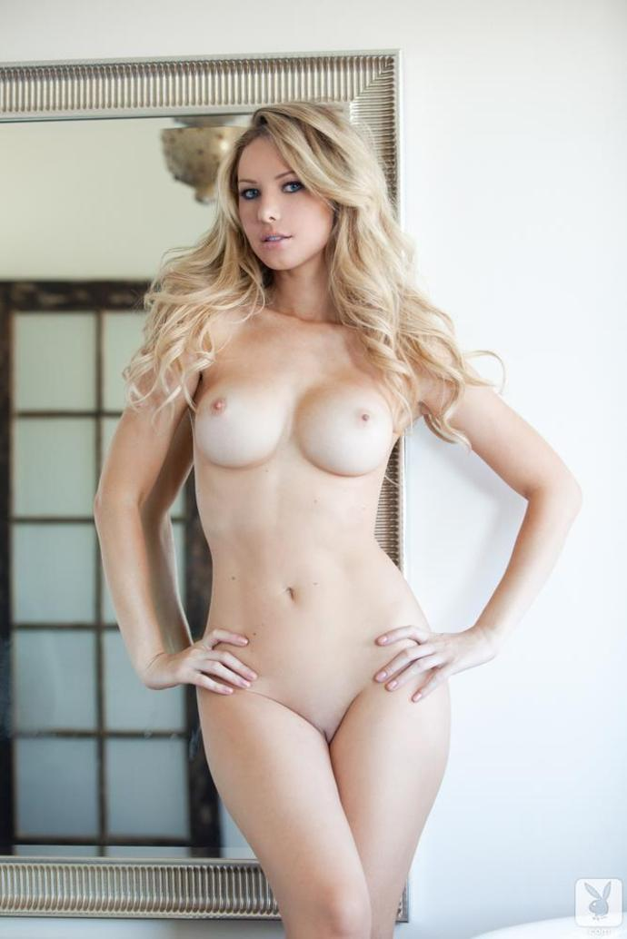 blonde with epic tits.jpg