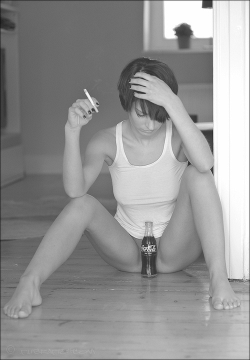 coke pussy and smoking.jpg