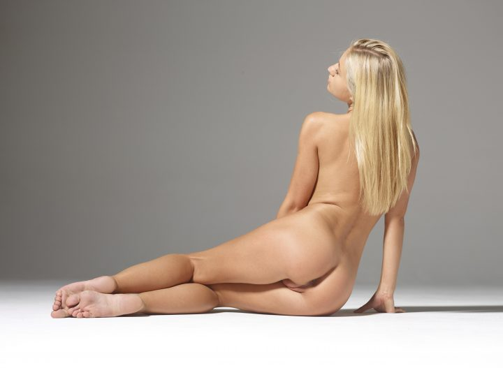 long blonde hair with a perfect pert ass.jpg