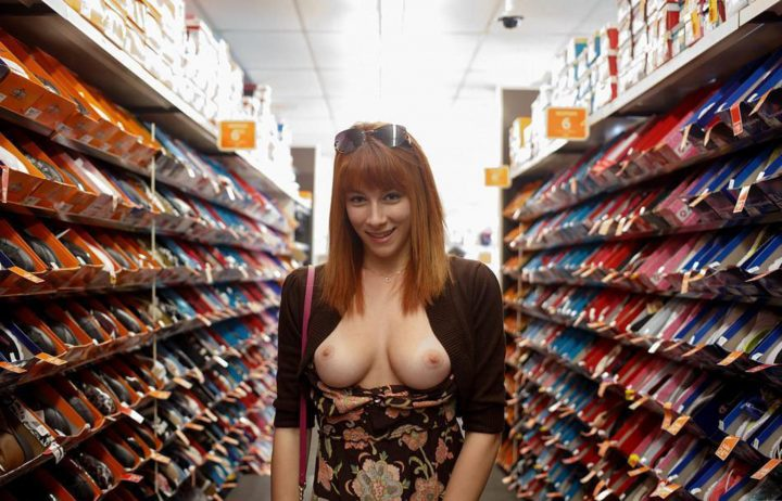 150022990792sktZ6.jpg 720x462 Shoe Shopping