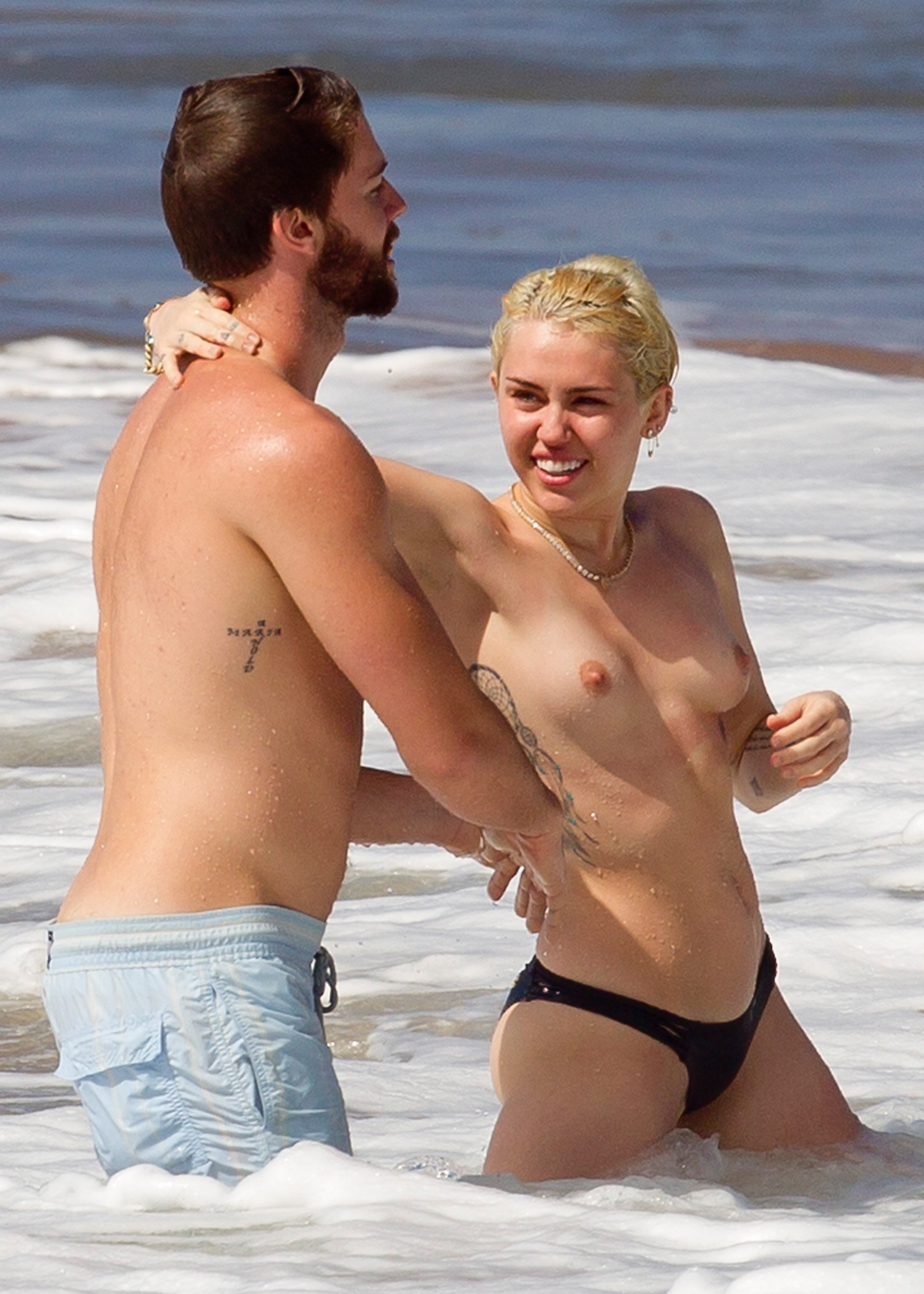 Miley Cyrus – Topless in Hawaii  (28)
