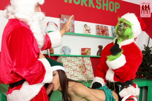 the grinch and santa claus fuck a sexy elf