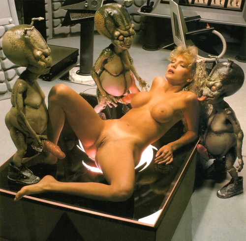 weird naked alien girls