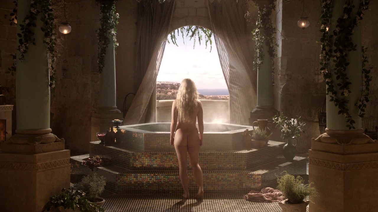 Emilia Clarke Game Of Thrones Nude In