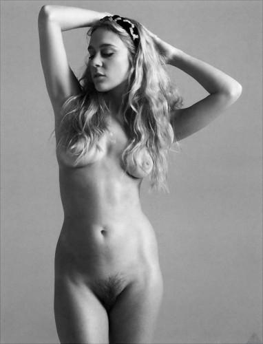 chloe sevigny is nude