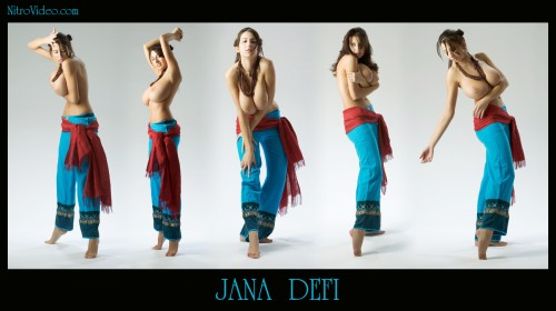 jana defi on her toes