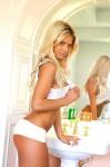 blonde washing 1 99x150 clean blonde