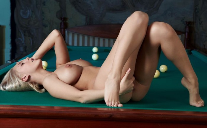 busty girl in a pool hall 12 700x432 pool table hottie