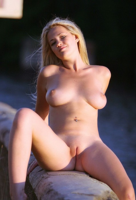 retention wall blonde 12 477x700 awesome blonde