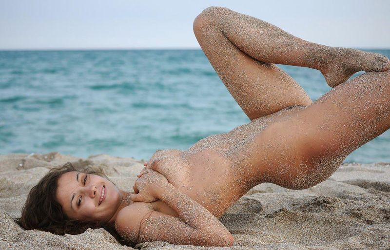 sandy beach woman (10)