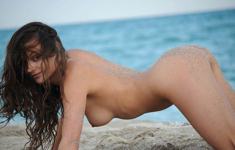 sandy beach woman (12)