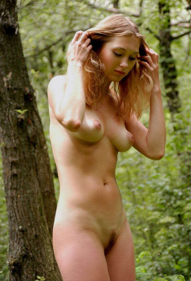 girl naked in wood