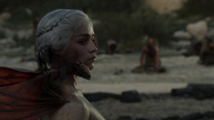 vlcsnap 00027 700x393 Game of Thrones   Dragon Queen