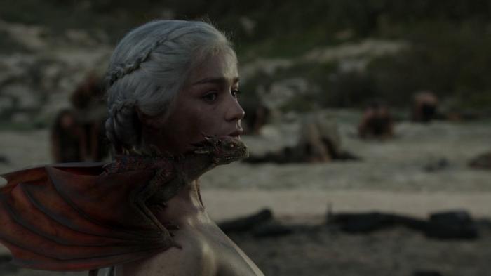 vlcsnap 00029 700x393 Game of Thrones   Dragon Queen