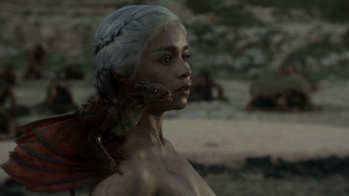 vlcsnap 00030 700x393 Game of Thrones   Dragon Queen