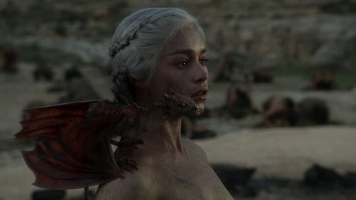 vlcsnap 00031 700x393 Game of Thrones   Dragon Queen