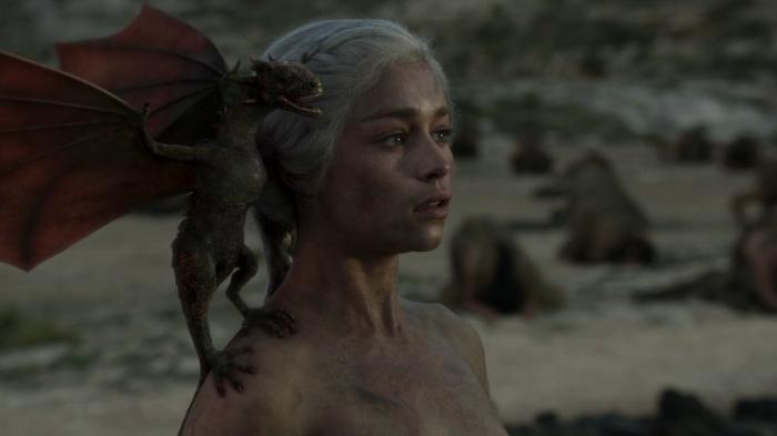 vlcsnap 00032 700x393 Game of Thrones   Dragon Queen