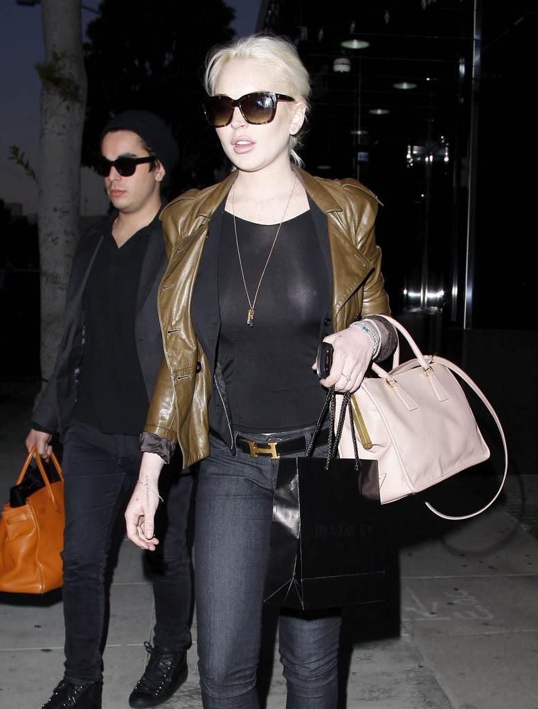 Lindsay_lohan_see_throuhg-2012-01-01a