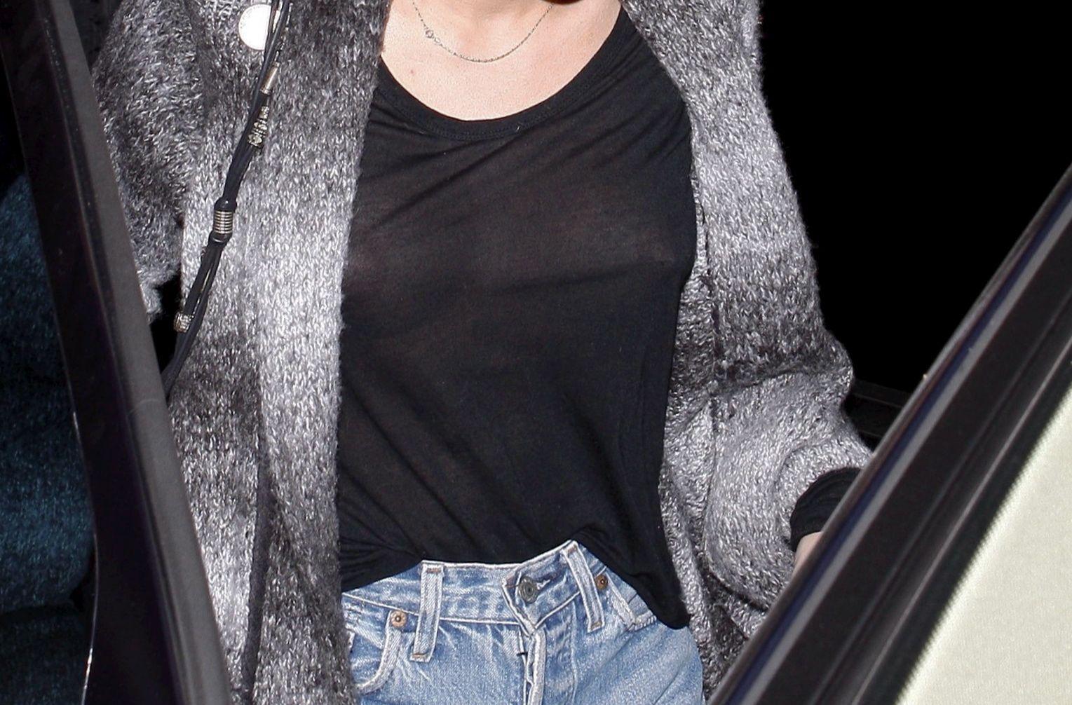 Miley_Cyrus_SeeThruNipple_1
