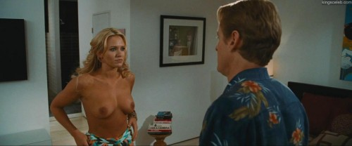 Nicky Whelan - Hall Pass 1