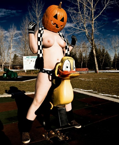 nude pumpkin head duck rider