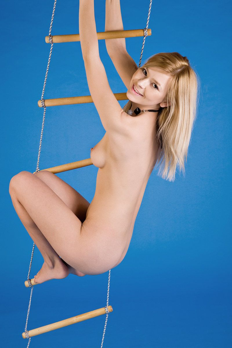 Blue Room Ladder Girl (10).jpg