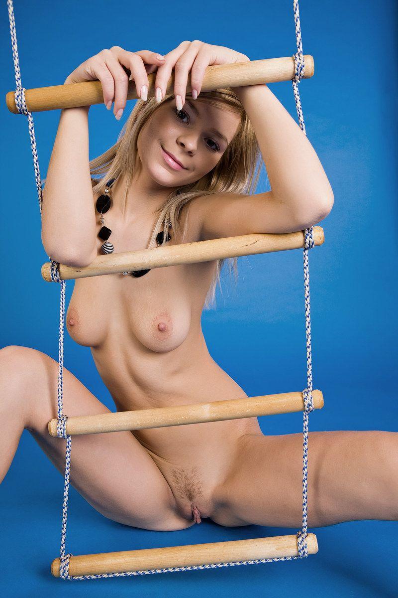 Blue Room Ladder Girl (12).jpg