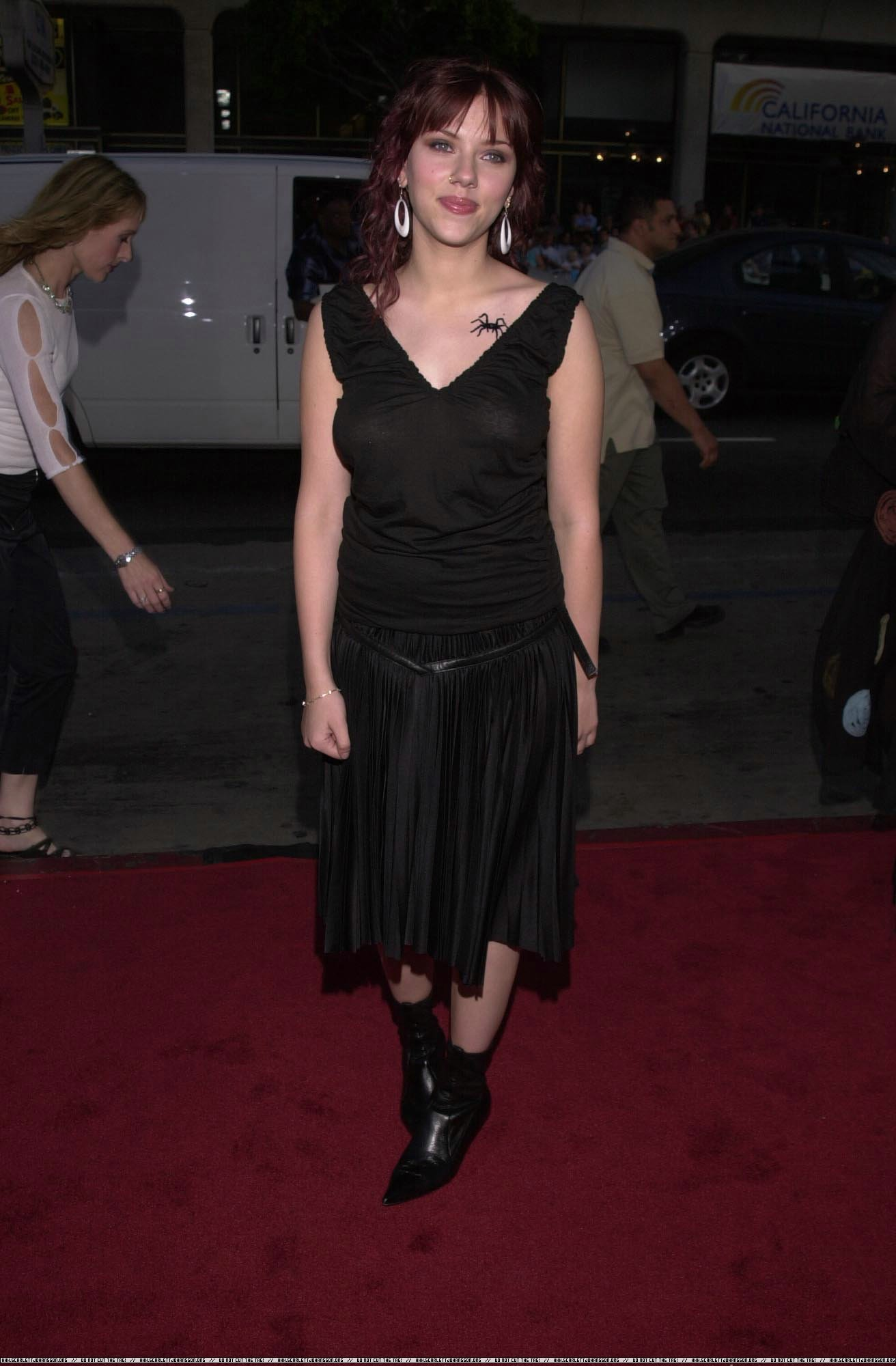 ScarlettJohansson_Black_SeeThru_Dress_1.jpg