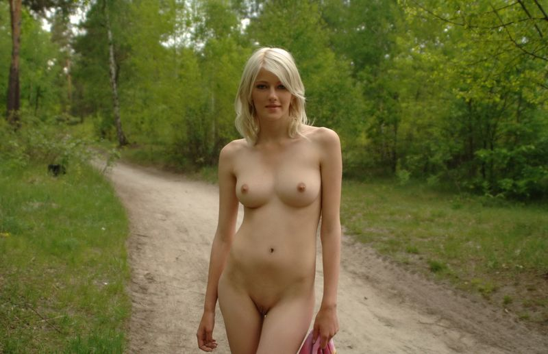 dirt road blonde (17).jpg
