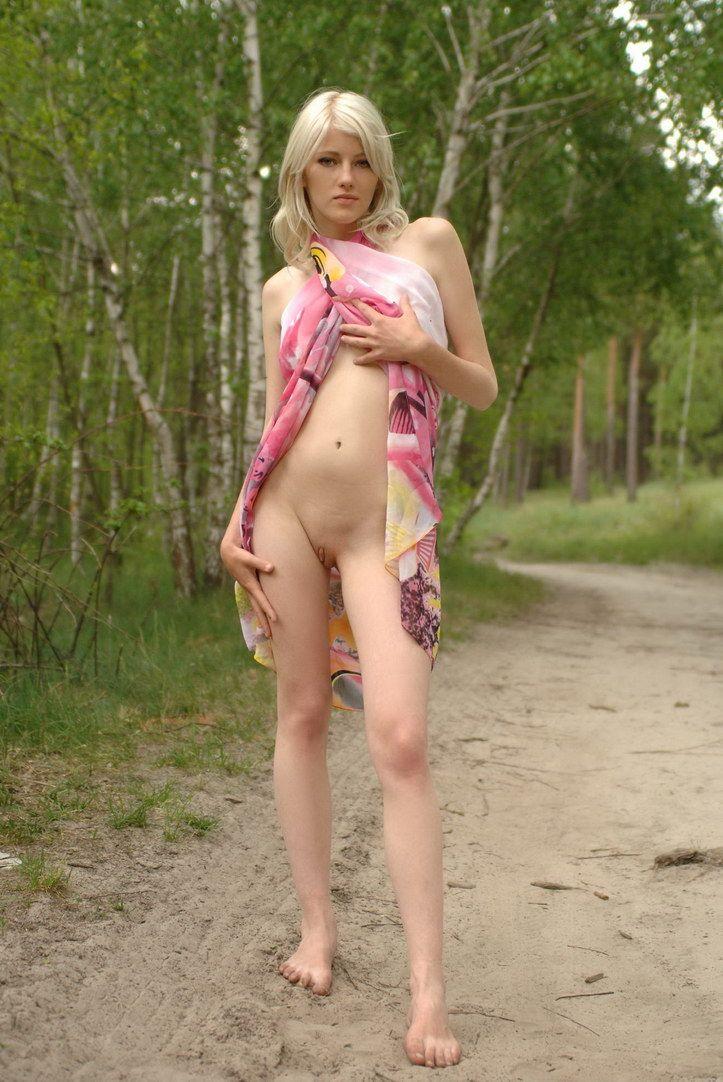 dirt road blonde (5).jpg