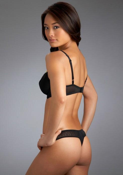 jarah mariano - black lingerie.jpg