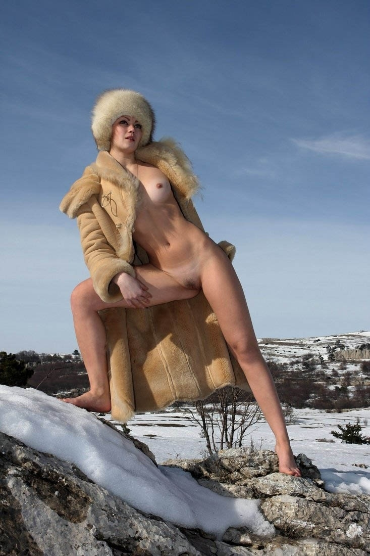 mountain snow girl (3).jpg