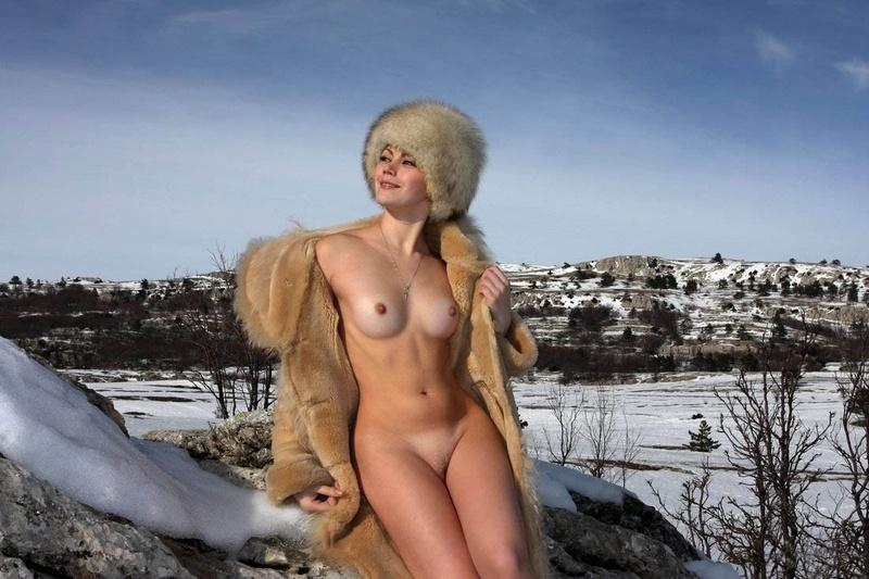 фото голых баб в шубах