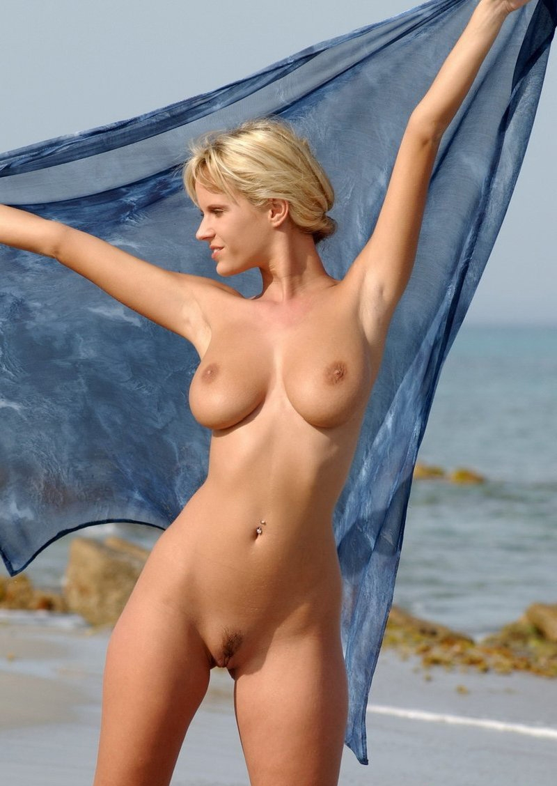 Blondes nude at the beach pics